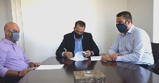 Υπογράφτηκε η σύμβαση για το οδικό τμήμα Άγιος Ιωάννης – Κατάκολο