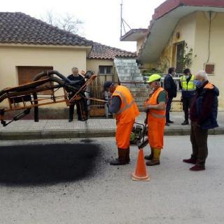 Δήμος Πηνειού: Αποκατάσταση οδοστρώματος  με τη μέθοδο της εκτοξευόμενης ασφάλτου