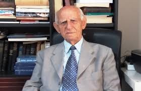Στον αξέχαστο Γιάννη Παπαδόπουλο συνάδελφο και συνοδοιπόρο της ζωής μας